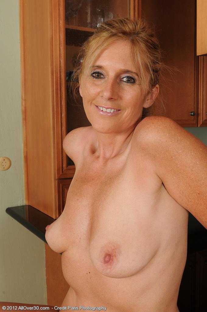 Amanda Allover30