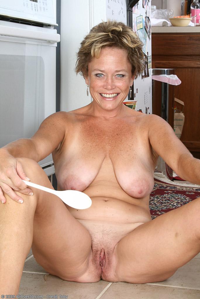 naked sexy girls facial