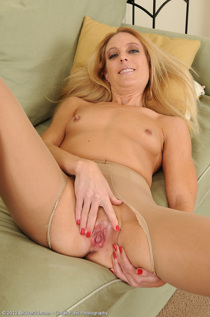 Free mature babe screensaver