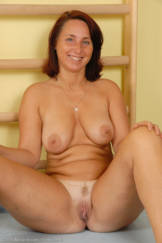... MATURE MODELS - 1,517,027 MATURE PICTURES - 4788 FULL LENGTH MOVIES