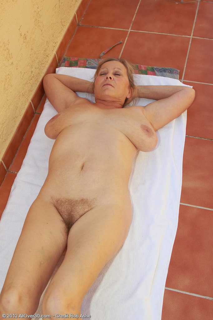 Nude fat moms