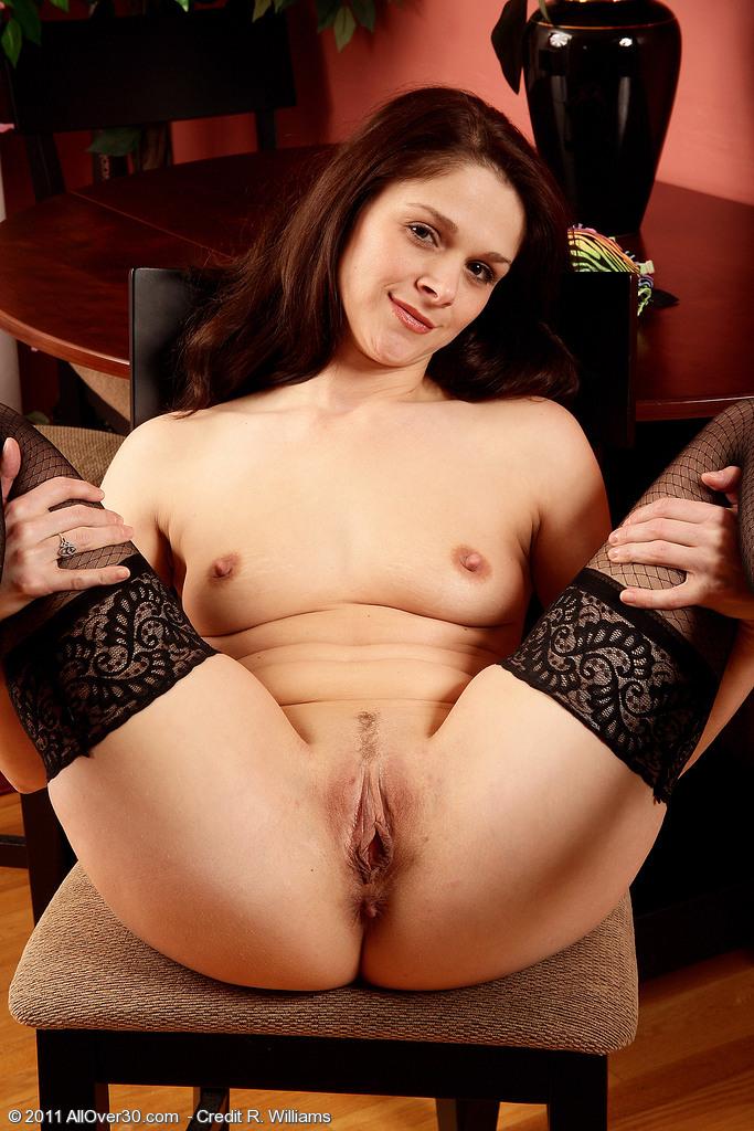aunty shemail hot big bobbs