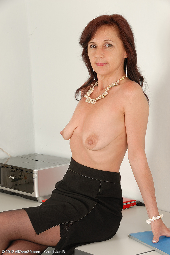 Mature jenny yo in assfuck with young guy 2