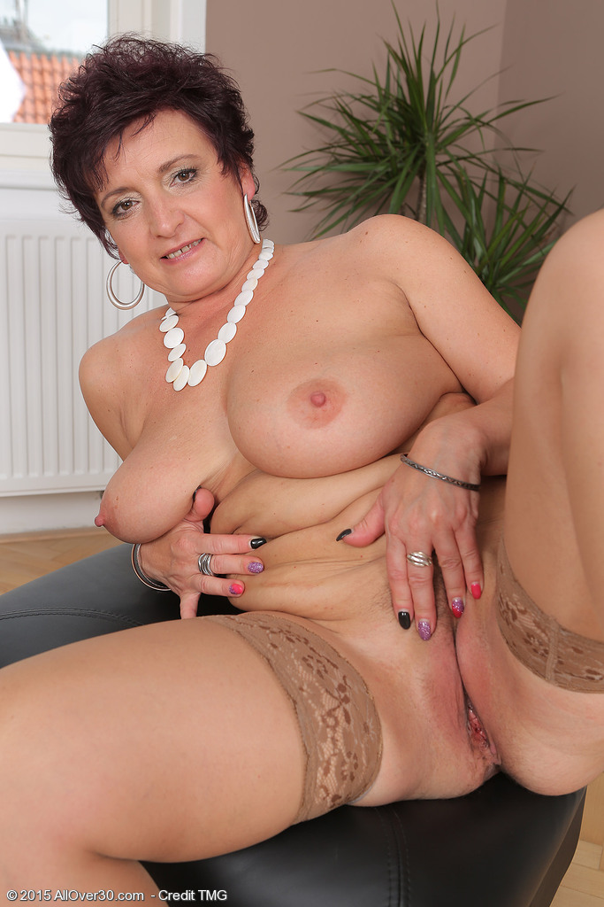 52 years old anal Search - XVIDEOSCOM