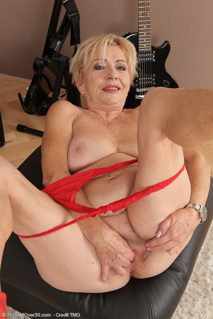 70 years old granny showing her shave pussy - 2 part 5