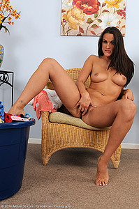 sql year old MILF Misty Anderson