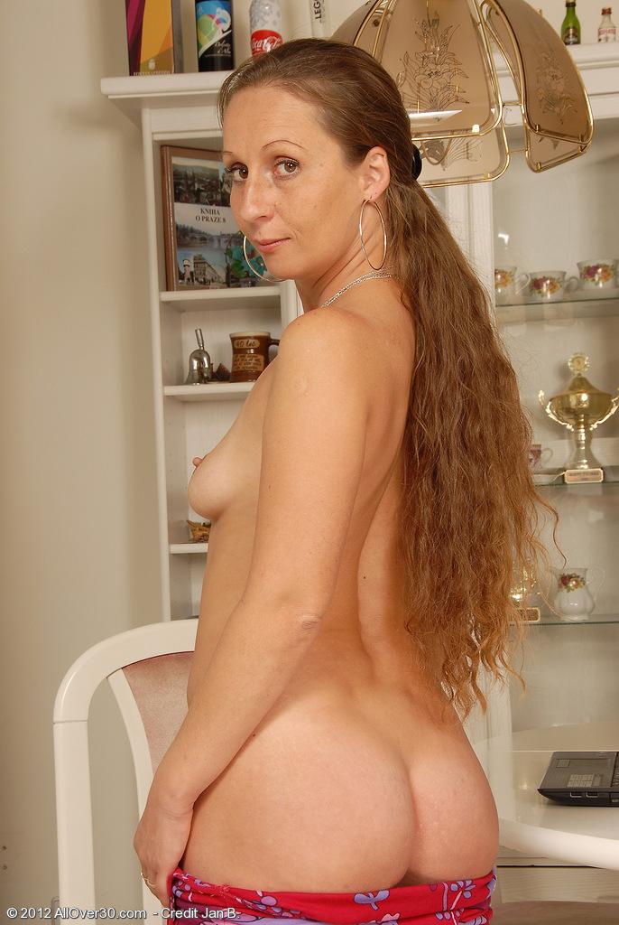 Mature nude allover30