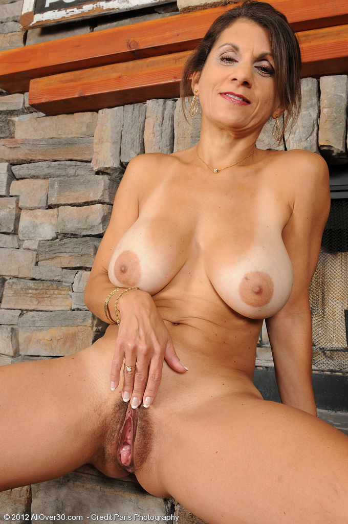 Nude mature women masterbating can