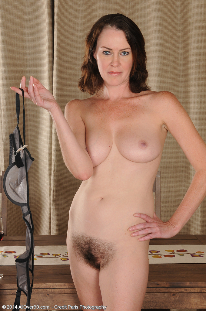 AllOver30Free.com- Hot Older Women - 40 Year Old Veronica ...