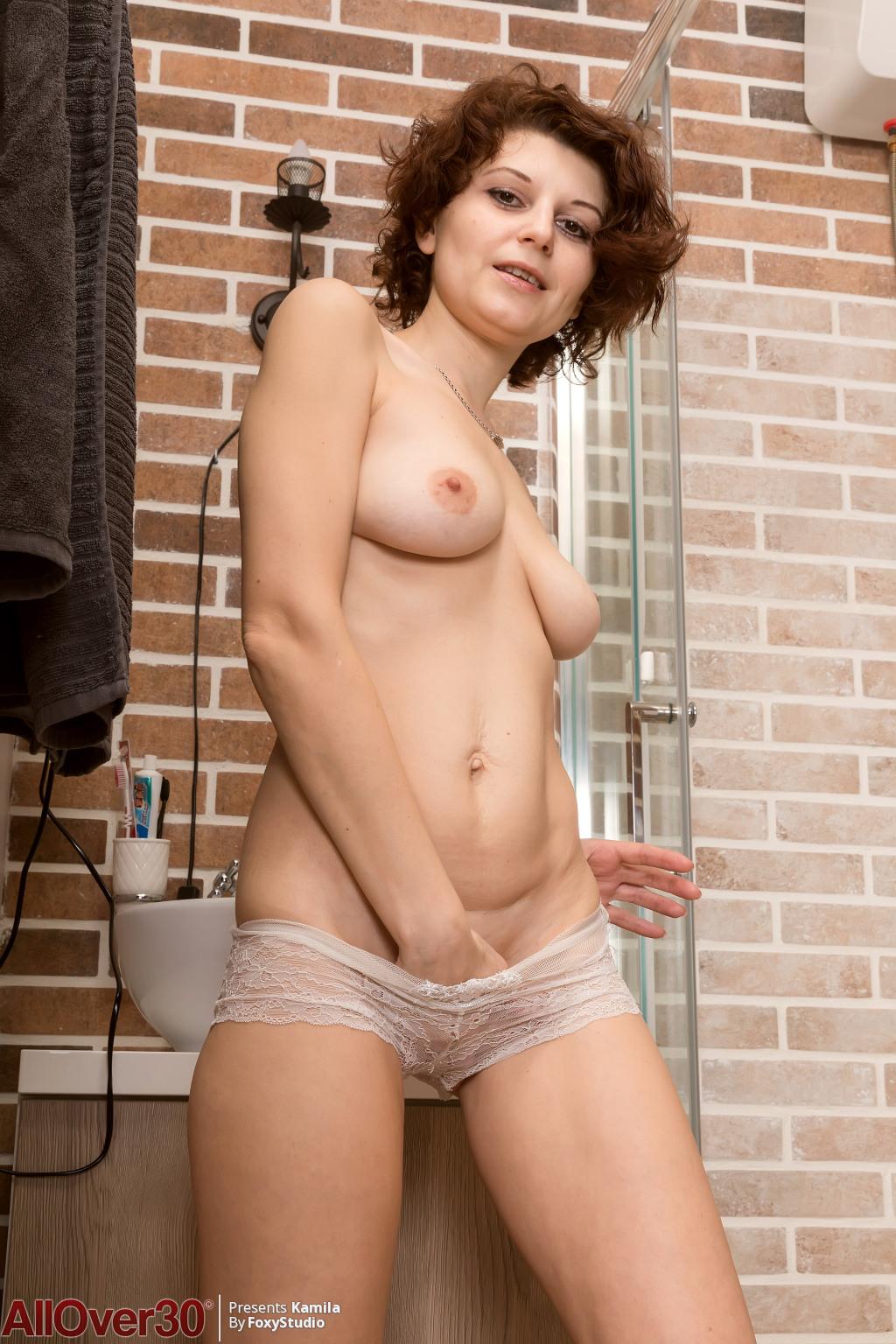 Nude busty retro latino girls pics