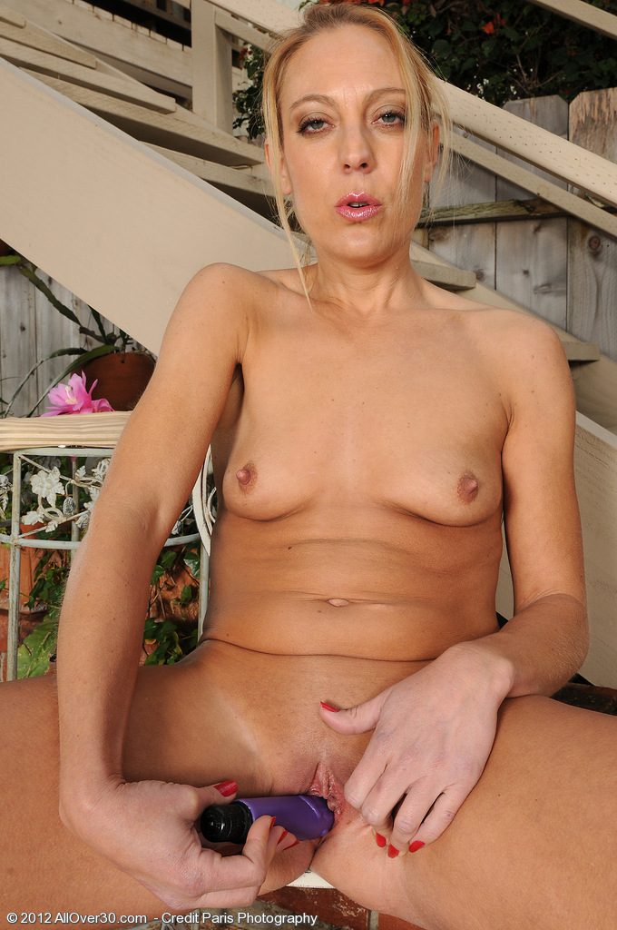Mature spread naked