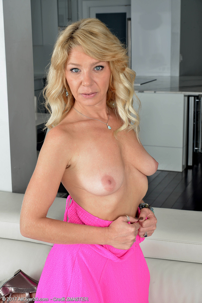 Older mature housewives