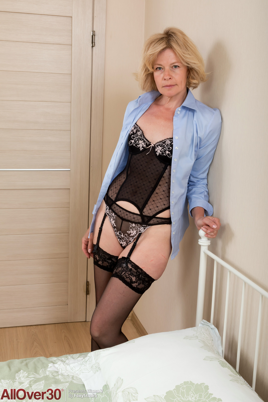 Mature Women In Lingerie Pictures